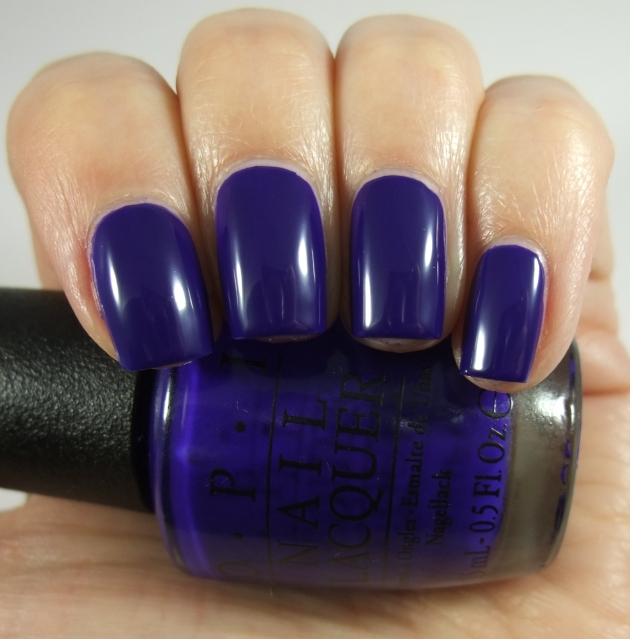 OPI - My Car Has Navy-gatio 03