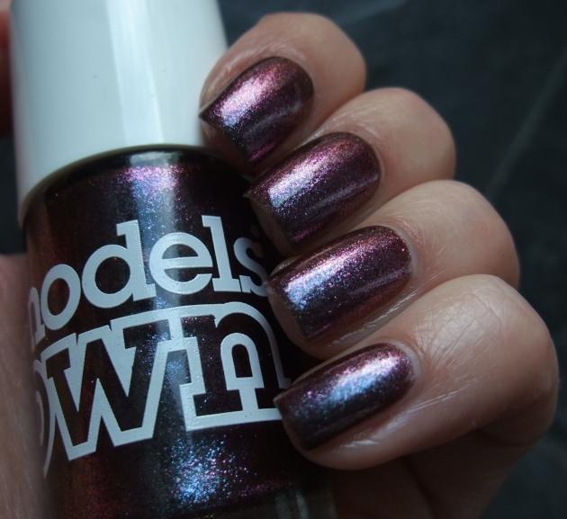 Models Own - Purple Blue 15